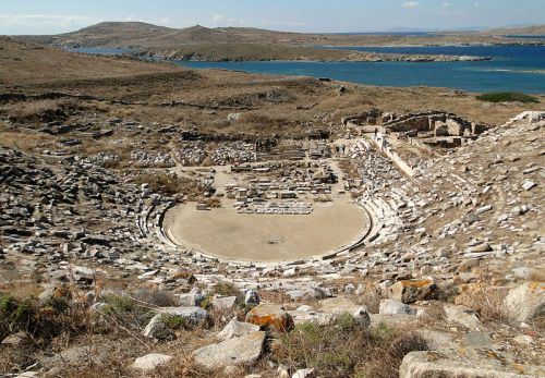 Ancient_Greek_theatre_in_Delos